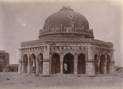 General view of Sikander Lodi's Tomb, Delhi. 1003903